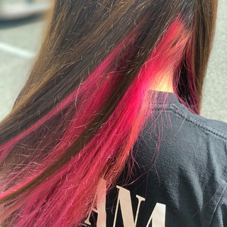 デザインカラー ロング インナーカラー ハイトーンカラー ヘアスタイルや髪型の写真・画像