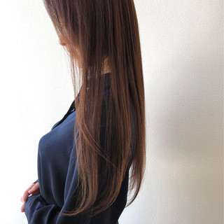 ロング エレガント アッシュベージュ 秋冬スタイル ヘアスタイルや髪型の写真・画像