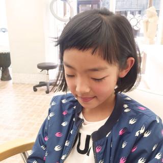 子供 外ハネ ショートバング ガーリー ヘアスタイルや髪型の写真・画像