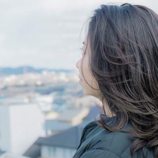 アッシュ ロング 外国人風カラー ナチュラル ヘアスタイルや髪型の写真・画像