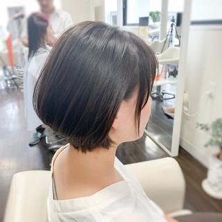 ショートボブ ショートヘア 耳掛けショート ショート ヘアスタイルや髪型の写真・画像