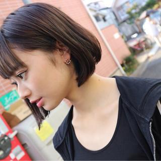 ストリート ボブ インナーカラー 前下がり ヘアスタイルや髪型の写真・画像