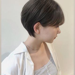 小顔ショート 耳掛けショート ミニボブ 前下がりショート ヘアスタイルや髪型の写真・画像