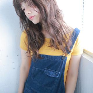 くせ毛風 ハイライト 外国人風 ストリート ヘアスタイルや髪型の写真・画像