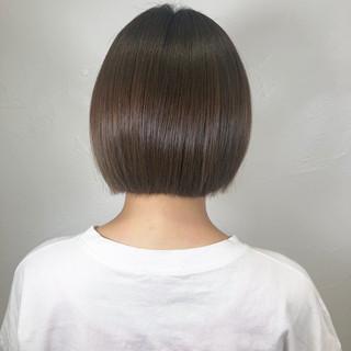 ミニボブ ボブ 切りっぱなしボブ ナチュラル ヘアスタイルや髪型の写真・画像