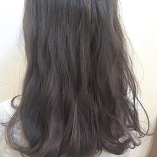 アッシュ 外国人風 大人かわいい 暗髪 ヘアスタイルや髪型の写真・画像