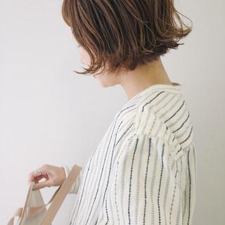 ガーリー ハイトーン ハイライト 波ウェーブ ヘアスタイルや髪型の写真・画像