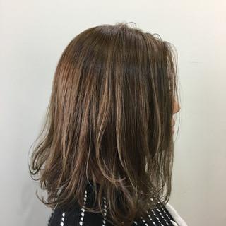 モード ミディアム ハイライト ヘアスタイルや髪型の写真・画像