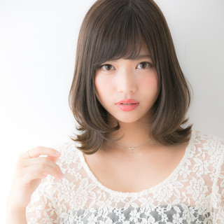 ミディアム フェミニン デジタルパーマ 大人女子 ヘアスタイルや髪型の写真・画像