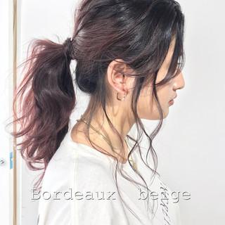 カシスレッド ボルドーヘア ボルドー ブリーチカラー ヘアスタイルや髪型の写真・画像