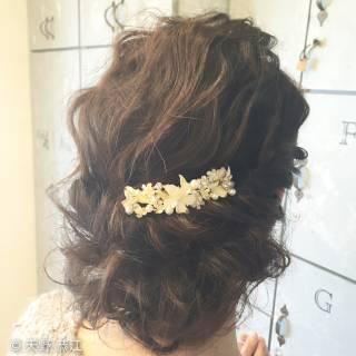 ヘアアレンジ ゆるふわ 波ウェーブ フェミニン ヘアスタイルや髪型の写真・画像