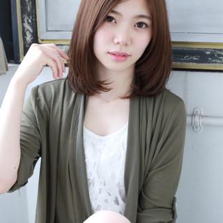 小顔 ニュアンス ナチュラル 大人女子 ヘアスタイルや髪型の写真・画像