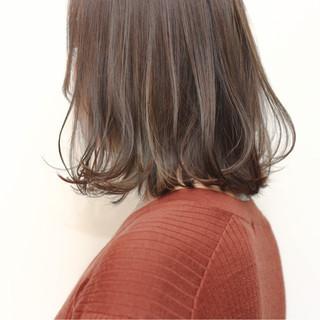 ミディアム ゆるふわ ナチュラル ボブ ヘアスタイルや髪型の写真・画像