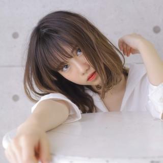 ナチュラル セミロング ヘアスタイルや髪型の写真・画像 ヘアスタイルや髪型の写真・画像