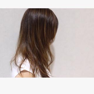 グラデーションカラー ミディアム アッシュ 外国人風 ヘアスタイルや髪型の写真・画像 ヘアスタイルや髪型の写真・画像
