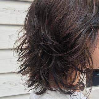 ボブ 透明感カラー ウルフカット ゆるふわパーマ ヘアスタイルや髪型の写真・画像