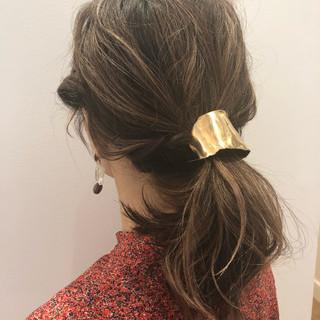 デート ミディアム アンニュイほつれヘア ヘアアレンジ ヘアスタイルや髪型の写真・画像