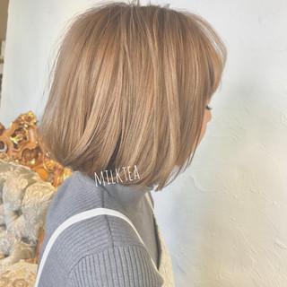ナチュラル ミルクティーグレージュ ボブ ミルクティー ヘアスタイルや髪型の写真・画像