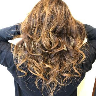 透け感ヘア 外国人風カラー バレイヤージュ ブリーチカラー ヘアスタイルや髪型の写真・画像