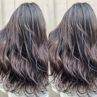 ハイライト ロング デート バレイヤージュ ヘアスタイルや髪型の写真・画像