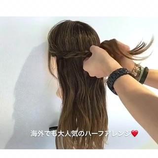 ルーズ セミロング ヘアアレンジ 簡単ヘアアレンジ ヘアスタイルや髪型の写真・画像