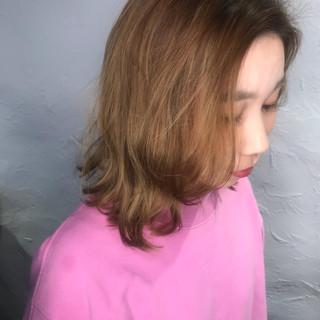 ホワイトハイライト ナチュラル ミルクグレージュ シナモンベージュ ヘアスタイルや髪型の写真・画像