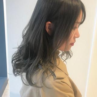 ナチュラル ミディアム オリーブカラー オリーブグレージュ ヘアスタイルや髪型の写真・画像