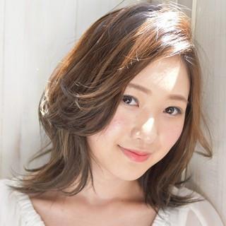 ミディアム かわいい コンサバ 透明感 ヘアスタイルや髪型の写真・画像 ヘアスタイルや髪型の写真・画像