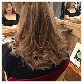 ハイトーン ロング ストリート ハイライト ヘアスタイルや髪型の写真・画像