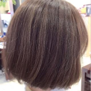 アッシュ ハイライト イルミナカラー ナチュラル ヘアスタイルや髪型の写真・画像