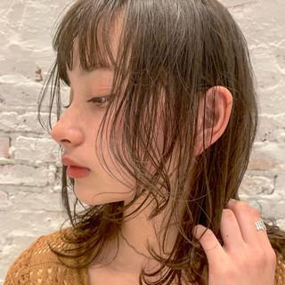 ミディアム 簡単ヘアアレンジ フェミニン 透明感 ヘアスタイルや髪型の写真・画像