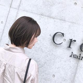 ショートボブ ナチュラル ショート グレージュ ヘアスタイルや髪型の写真・画像