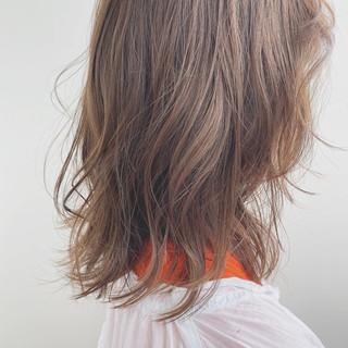 ウルフカット ナチュラル 鎖骨ミディアム 大人かわいい ヘアスタイルや髪型の写真・画像