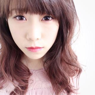 透明感 ピンク ロング ナチュラル ヘアスタイルや髪型の写真・画像