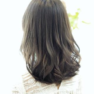 セミロング フェミニン ブルージュ ゆるふわ ヘアスタイルや髪型の写真・画像