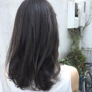 グレージュ 透明感 アッシュ ナチュラル ヘアスタイルや髪型の写真・画像
