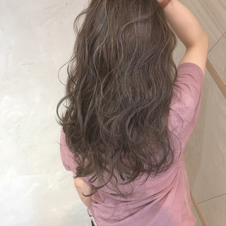 フェミニン ロング アッシュ アンニュイ ヘアスタイルや髪型の写真・画像