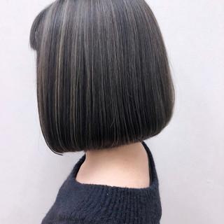 グレージュ 切りっぱなし 上品 暗髪 ヘアスタイルや髪型の写真・画像