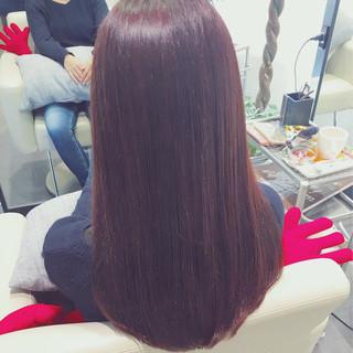セミロング レッド ピンク ナチュラル ヘアスタイルや髪型の写真・画像