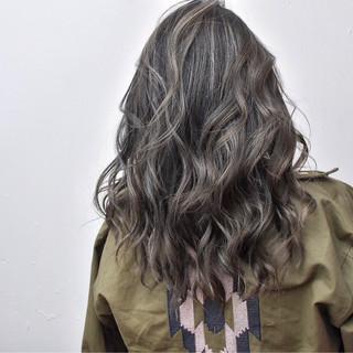 外国人風 ハイライト アッシュベージュ ロング ヘアスタイルや髪型の写真・画像