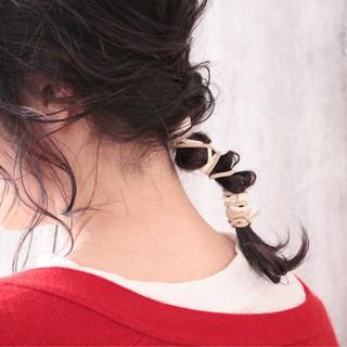 ミディアム ナチュラル アンニュイほつれヘア ヘアアレンジ ヘアスタイルや髪型の写真・画像 ヘアスタイルや髪型の写真・画像
