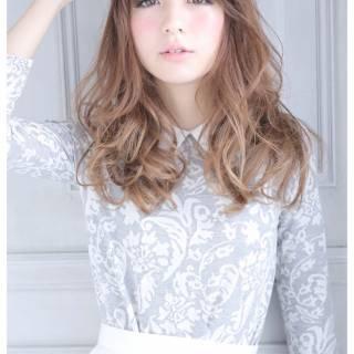 フェミニン 大人かわいい ゆるふわ 秋 ヘアスタイルや髪型の写真・画像