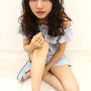 フェミニン ピュア セミロング かわいい ヘアスタイルや髪型の写真・画像