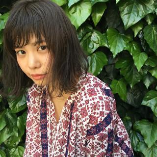 グレージュ 透明感 リラックス 外国人風 ヘアスタイルや髪型の写真・画像