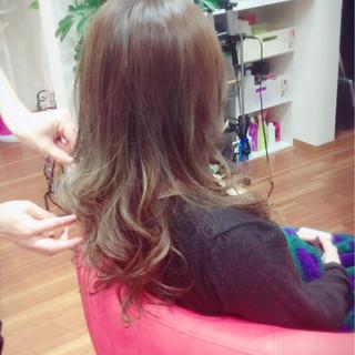 大人かわいい ロング グラデーションカラー アッシュ ヘアスタイルや髪型の写真・画像