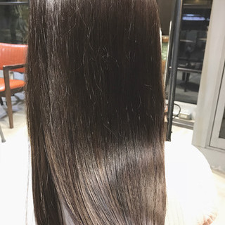 oggiotto 透明感カラー ナチュラル グレージュ ヘアスタイルや髪型の写真・画像