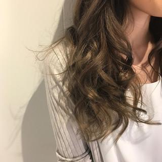 ロング n. グレージュ ミルクティーグレージュ ヘアスタイルや髪型の写真・画像