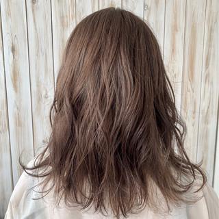 圧倒的透明感 デート 大人女子 グレージュ ヘアスタイルや髪型の写真・画像
