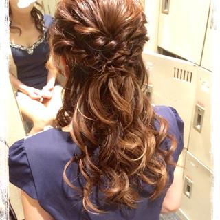 フェミニン ヘアアレンジ ハーフアップ 結婚式 ヘアスタイルや髪型の写真・画像