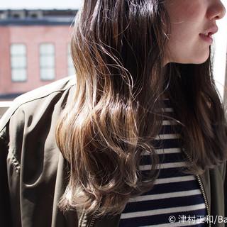 ミディアム アッシュベージュ グラデーションカラー ナチュラル ヘアスタイルや髪型の写真・画像 ヘアスタイルや髪型の写真・画像